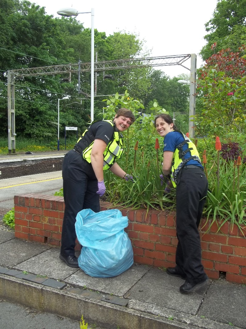 BTP's Audrey and Heather help at Kidsgrove station